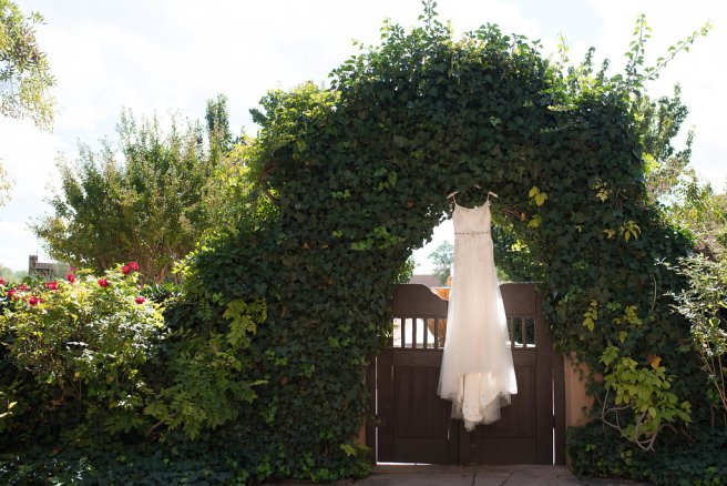 Perfect Wedding Guide New Mexico Albuquerque Santa Fe planning design inspo inspiration photography local marriage love engagement ceremony gown outdoor natural shot arch hotel venue natural light