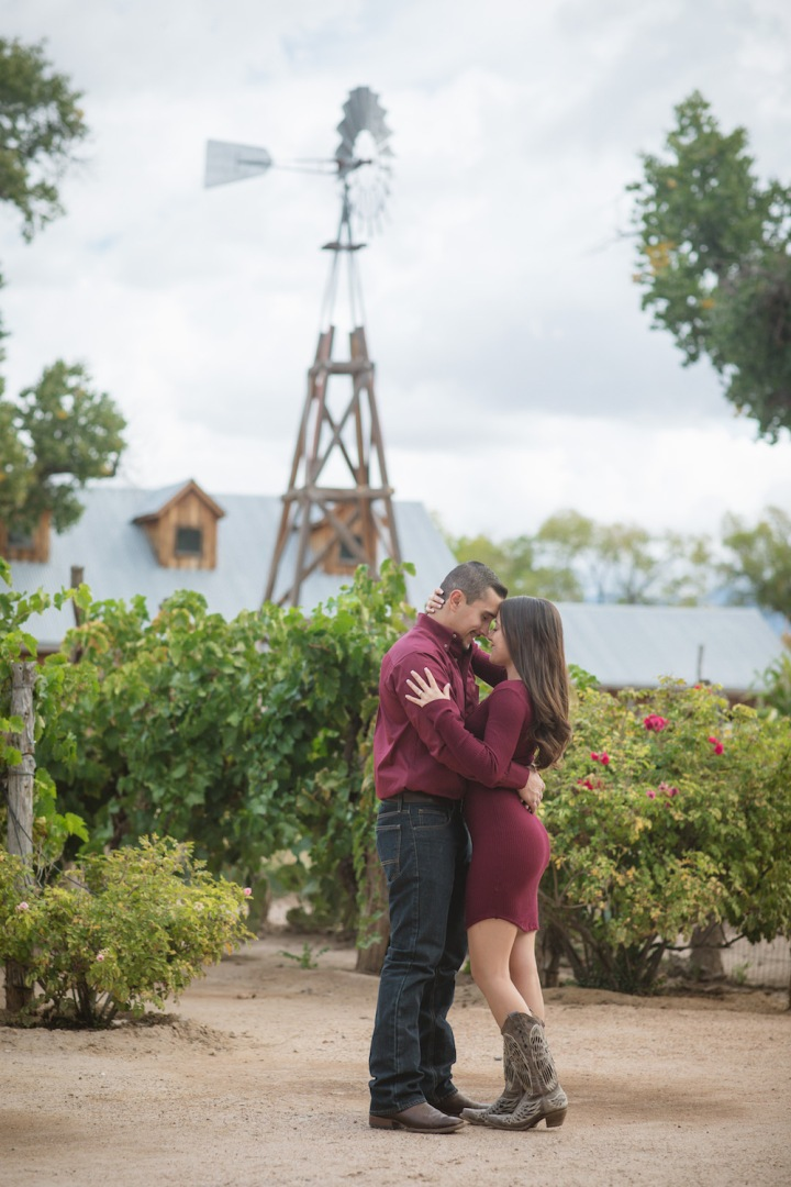 ABQ BioPark: Outdoor Engagement Session in NewMexico